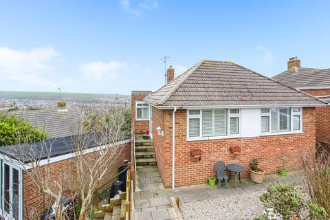 4 bedroom bungalow for sale - Westmeston Avenue, Saltdean, Brighton, BN2