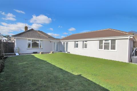 5 bedroom detached bungalow for sale - Witchampton Road, Broadstone