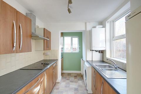 2 bedroom terraced house for sale - Lyndhurst Road, Sneinton