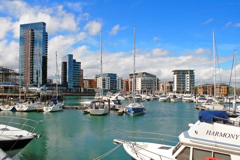 1 bedroom flat to rent - The Hawkins Tower, Ocean Way, Southampton, SO14 3LH