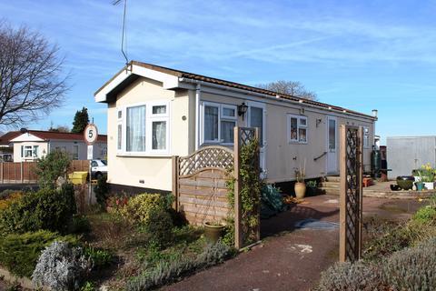 2 bedroom mobile home for sale - Limekiln Lane, Baldock, SG7