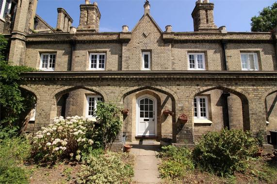 Watermans Square High Street Penge London 2 Bed Cottage