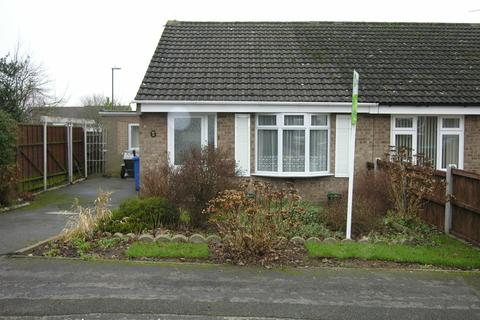 2 bedroom semi-detached bungalow to rent - Cromer Close, Mickleover