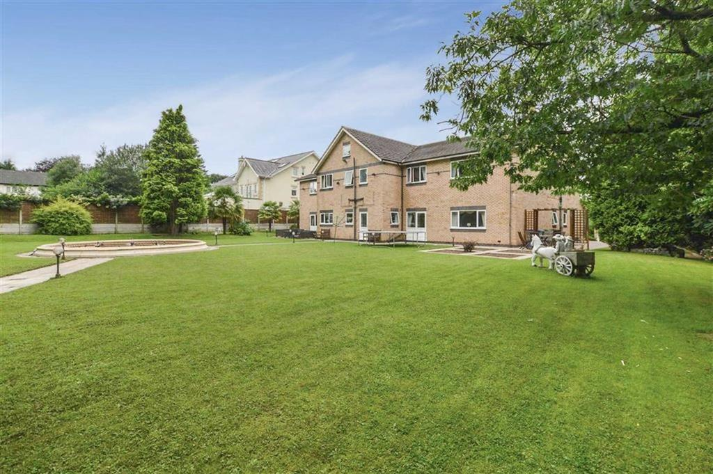 7 Bedrooms Detached House for sale in Hasty Lane, Hale Barns, Cheshire, WA15