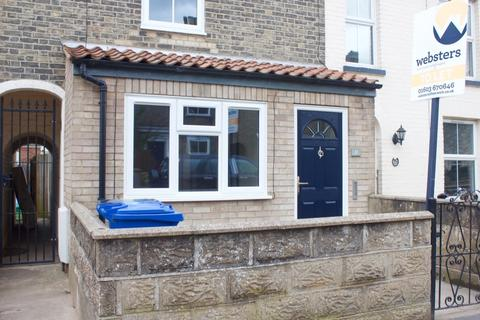 2 bedroom terraced house to rent - Newmarket Street, Norwich, NR2