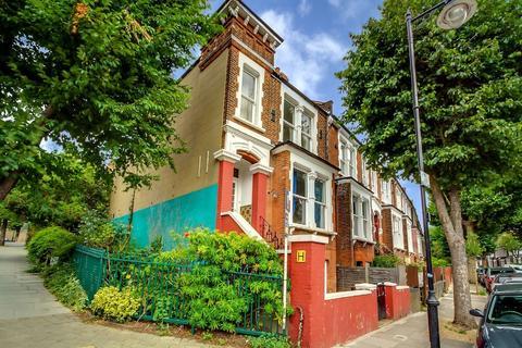 4 bedroom flat to rent - Harberton Road, N19