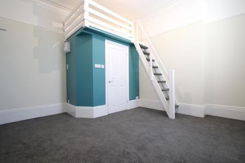 1 bedroom house share to rent - Connaught Avenue, Mutley, Plymouth