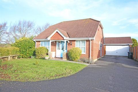 2 bedroom detached bungalow for sale - Windmill View, Patcham