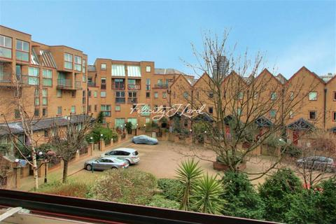 1 bedroom flat to rent - Asher Way, E1W