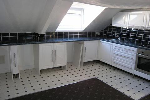 2 bedroom flat to rent - Healy Place, Stoke, Plymouth, PL2