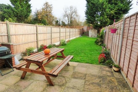 3 bedroom terraced house to rent - Empire Road, Perivale, Greenford, Greater London