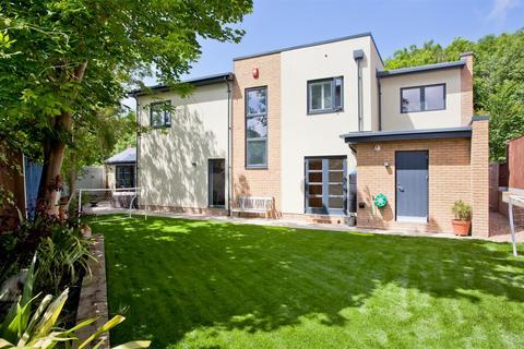 4 bedroom detached house for sale - Vale Avenue, Patcham Village, Brighton