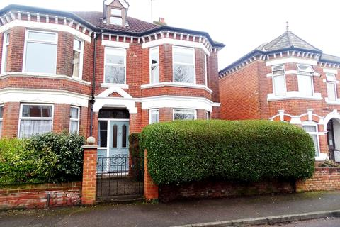 3 bedroom semi-detached house for sale - St Winifred Road,Shirley, Southampton