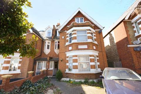6 bedroom house for sale - Twyford Avenue, London, W3