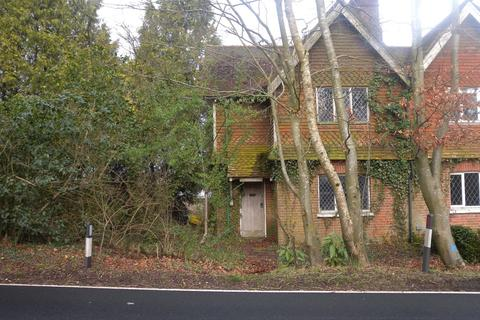 3 bedroom property with land for sale - Hammerwood, West Sussex