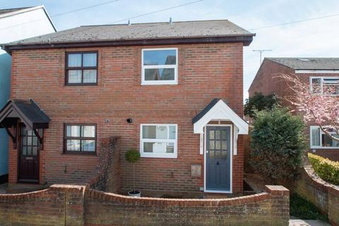 2 bedroom semi-detached house to rent - Victoria Road, Chichester