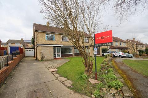 3 bedroom semi-detached house for sale - Beechfield Drive, Willerby, HU10