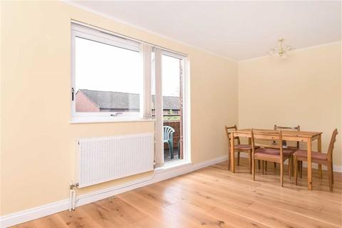 1 bedroom flat to rent - Beswick Mews, West Hampstead, London