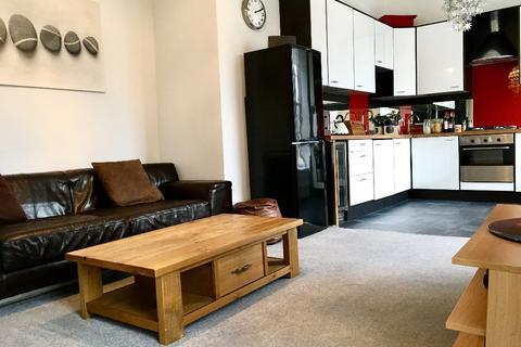 3 bedroom flat to rent - Oakfield Avenue, Hillhead, Glasgow