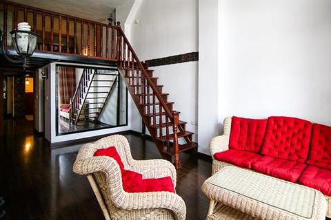 2 bedroom apartment  - Daun Penh, Phnom Penh