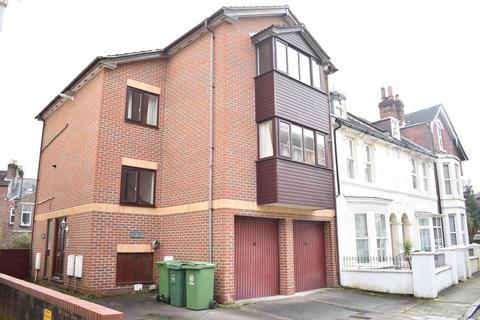 2 bedroom flat to rent - Malvern Road, Southsea, Hants, PO5 2NA