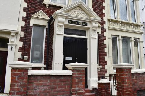 2 bedroom flat to rent - Milly Mews, 39 Queens Road, Portsmouth, PO2 7LT