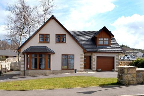 4 bedroom detached house for sale - 7 Hayley Smith Gardens, Fochabers, Moray, IV32
