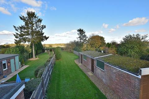 3 bedroom semi-detached house for sale - Common Road, Kensworth
