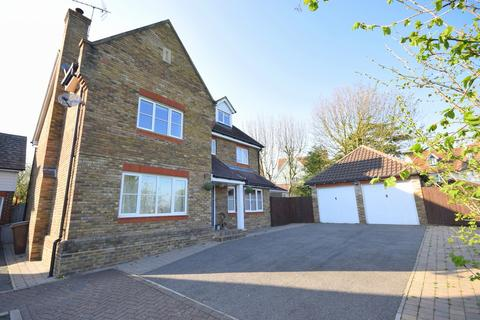 5 bedroom detached house for sale - Roselawn Fields, Broomfield, CM1 7GB