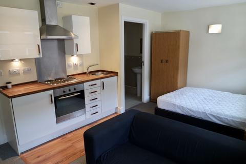 Studio to rent - Smithfield Apartments