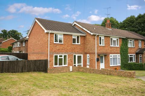 3 bedroom end of terrace house to rent - Manor Road, Alton