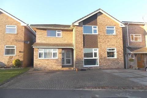 4 bedroom detached house to rent - Pentwyn, Radyr, Cardiff, CF15