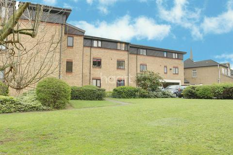 1 bedroom flat for sale - Verity House, Cotleigh Road, Romford