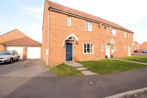 3 bedroom end of terrace house for sale - Bayfield, Newcastle Upon Tyne