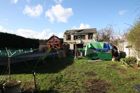 4 bedroom property with land for sale - Malling Road, Snodland