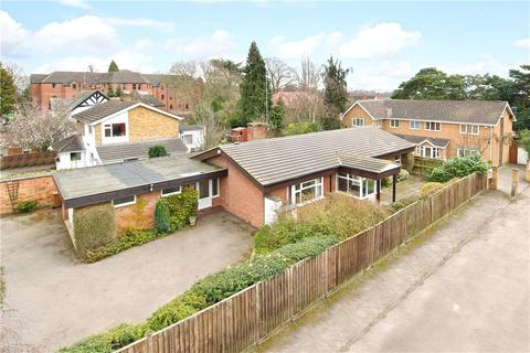 2 bedroom detached bungalow to rent - The Avenue, Dallington, Northamptonshire