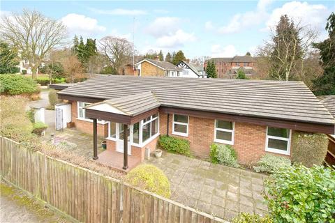 2 bedroom detached bungalow to rent - The Avenue, Dallington, Northamptonshire