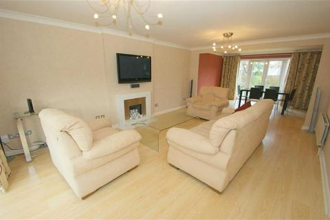4 bedroom detached house to rent - Grange Court, Alwoodley, LS17