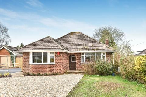 3 bedroom detached bungalow to rent - South Wonston, Winchester, Hampshire