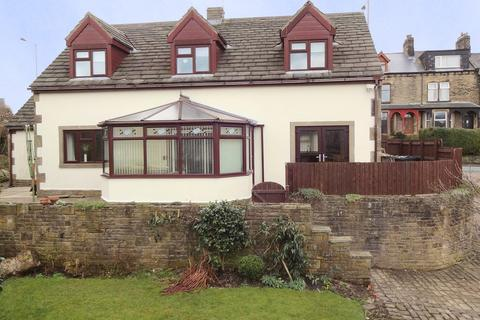 5 bedroom detached house for sale - 662 Huddersfield Road, Wyke BD12 8JR