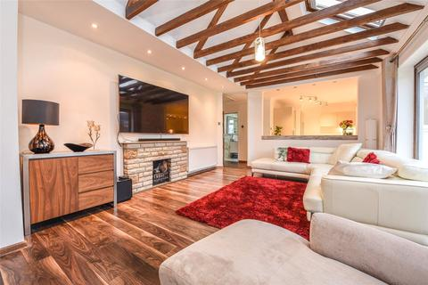 4 bedroom bungalow for sale - Woodlands Avenue, Burghfield Common, Reading, Berkshire, RG7