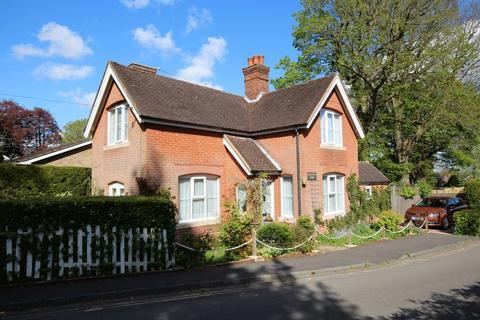 2 bedroom lodge for sale - Farlington Close, Haywards Heath