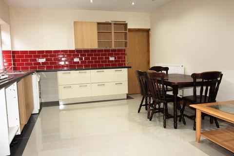 3 bedroom flat to rent - Newport Road , Roath , Cardiff