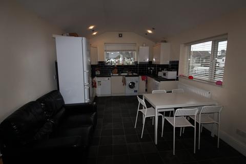 5 bedroom flat to rent - Crwys Road, Cathays, Cardiff