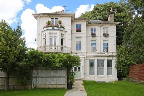 3 bedroom flat for sale - Park Road, Southborough