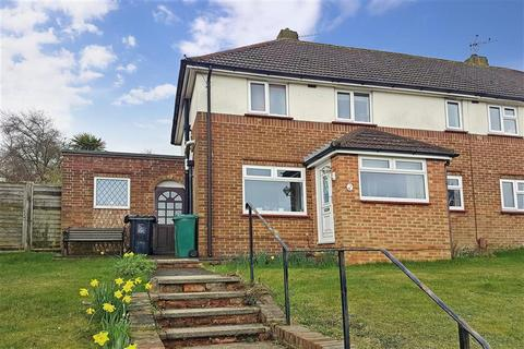 3 bedroom semi-detached house for sale - Rotherfield Crescent, Hollingbury, Brighton, East Sussex