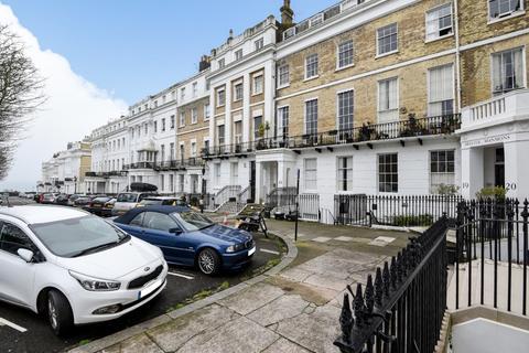 2 bedroom flat for sale - Sussex Square, Brighton, , BN2