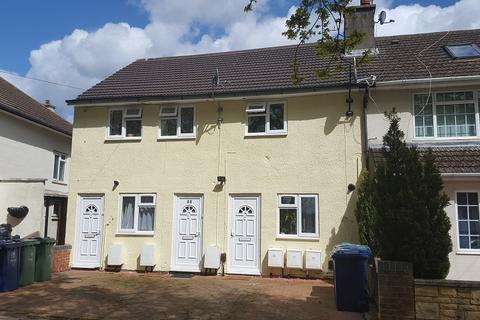 2 bedroom flat to rent - Pauling Road, Woodfarm, Oxford OX3