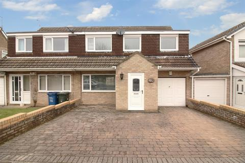 4 bedroom semi-detached house for sale - Yeadon Court, Kingston Park, Newcastle