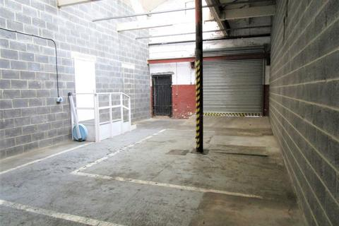 Workshop & retail space to rent - Tong Road, Whingate Junction, Armley, Leeds